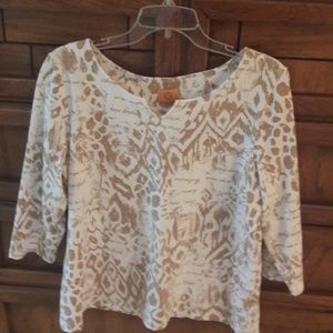 Tan and white top, machine washable
